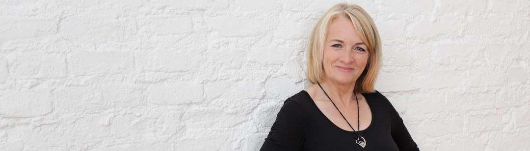 Alice Speer, Spezialistin für Brautfrisur, Brautstyling, Braut Make-up und Schminkkurse