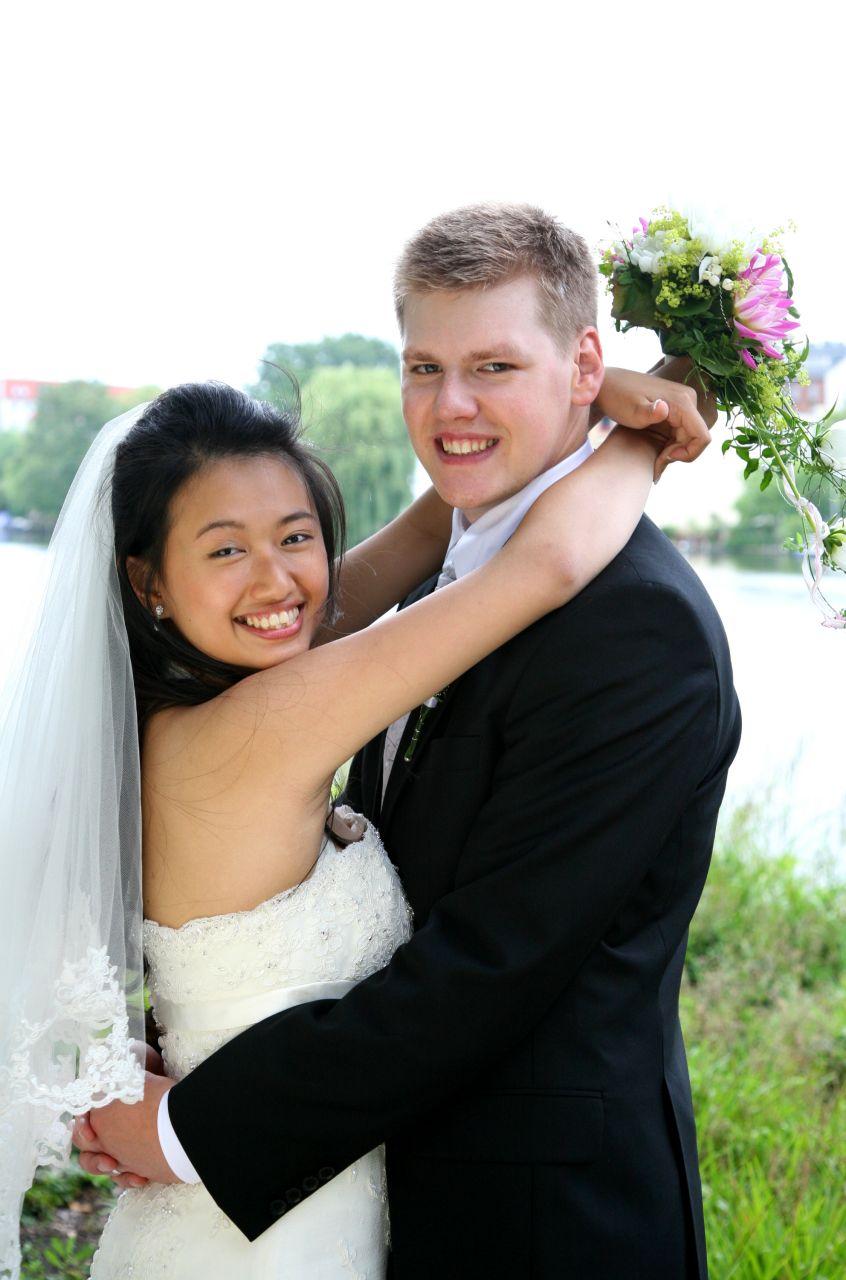 Asiatin Brautstyling