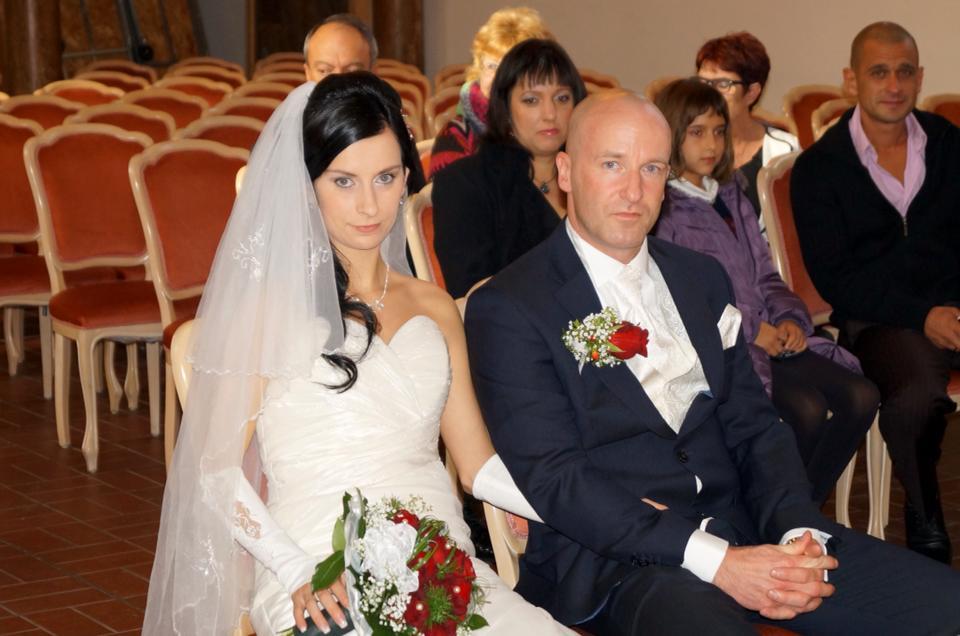 Brautfrisur seitlich gesteckt