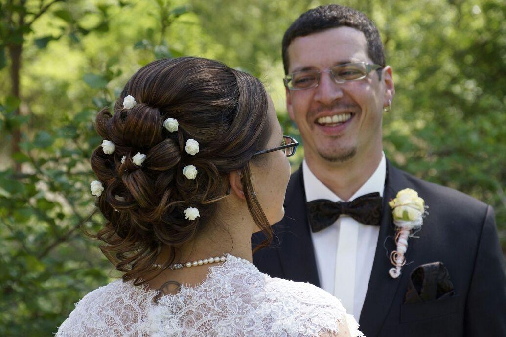 Brautfrisur locker gesteckt