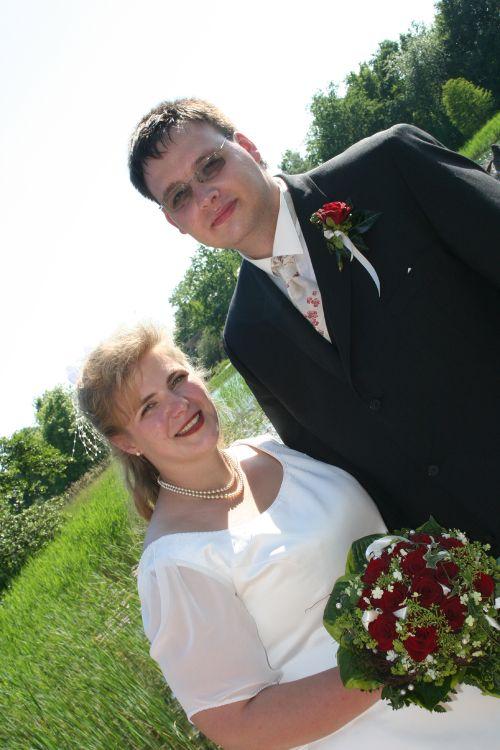 Brautfrisur teilhochgesteckt